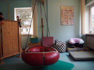 Sala para terapia ocupacional con bebés